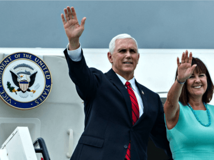 Top Gun: Mike Pence Schedules Fly By Event for Luther Strange in Alabama Airport