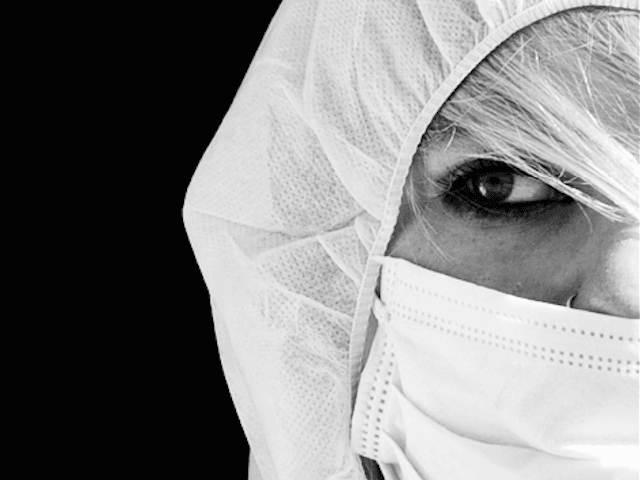 Surgical mask (Yasser Alghofily / Flickr / CC / Cropped)
