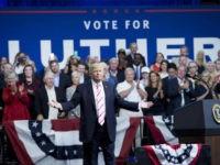 Trump-Huntsville-AL-Luther-Strange-arms-wide-getty-640x480