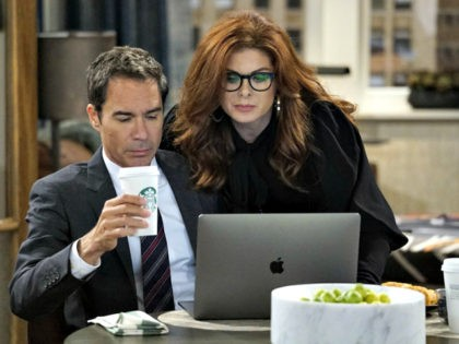 """Eric McCormack and Debra Messing in Will & Grace, episode """"11 Years Later"""" (2017)"""