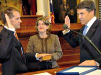Willett Sworn In RODOLFO GONZALEZ AP
