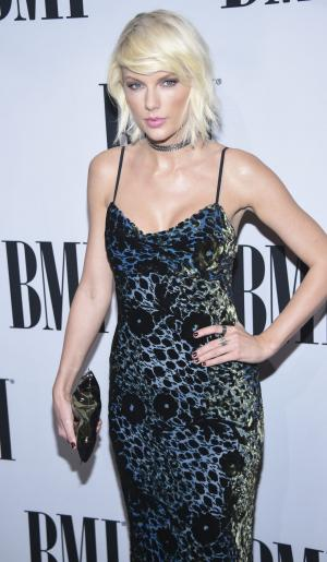Taylor Swift congratulates Cardi B on her No. 1 single