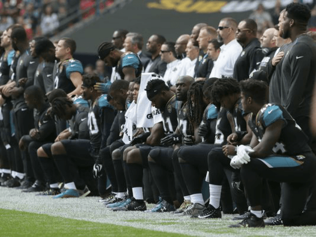 Donald Trump demands end to National Football League tax breaks over anthem protests