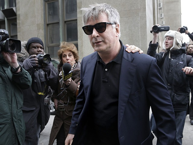 Report: Alec Baldwin Has 'Drink-Throwing Meltdown' in New York City