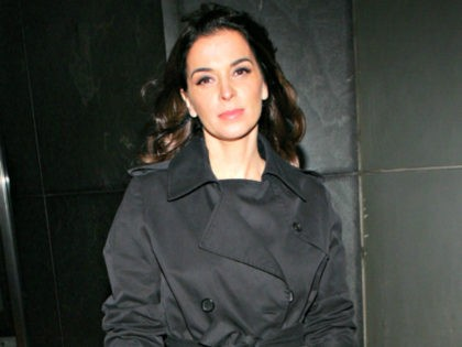 Actress Annabella Sciorra attends the 'Find Me Guilty' film premiere at the Sony Lincoln Square theatre March 14, 2006 in New York City. (Photo by Evan Agostini/Getty Images for Yari Film Group)