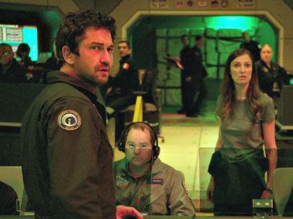 Gerard Butler is Jake Lawson in sci-fi action thriller Geostorm (2017, Warner Bros.).