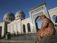 TASHKENT, UZBEKISTAN - AUGUST 16: (ISRAEL OUT) An Uzbek woman outside the Juma Mosque on August 16, 2006 in Tashkent in the central Asian country of Uzbekistan. Fifteen years after the breakup of the former USSR, the millions of Muslims living between the Caspian Sea and China, who for decades …