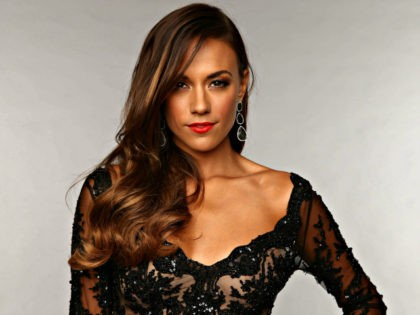 Actress Jana Kramer Details Being Pressured to 'Sleep With' a Man to Get Ahead in Hollywood