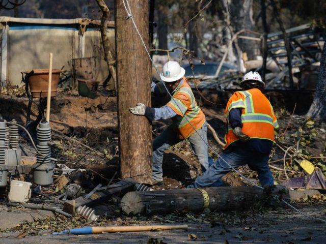 PG&E California fire (Elijah Nouvelage / Getty)