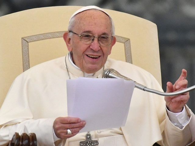 Pope Francis addresses the crowd during his weekly general audience at St Peter's square on October 18, 2017, in Vatican. / AFP PHOTO / Alberto PIZZOLI (Photo credit should read ALBERTO PIZZOLI/AFP/Getty Images)