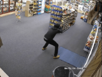 DescriptionDurham police are trying to identify a man who attempted to rob Smoke 4 Less on Avondale Drive on September 28. Anyone with information is asked to call CrimeStoppers at (919) 683-1200. CrimeStoppers pays cash rewards for information leading to arrests in felony cases and callers never have to identify themselves.