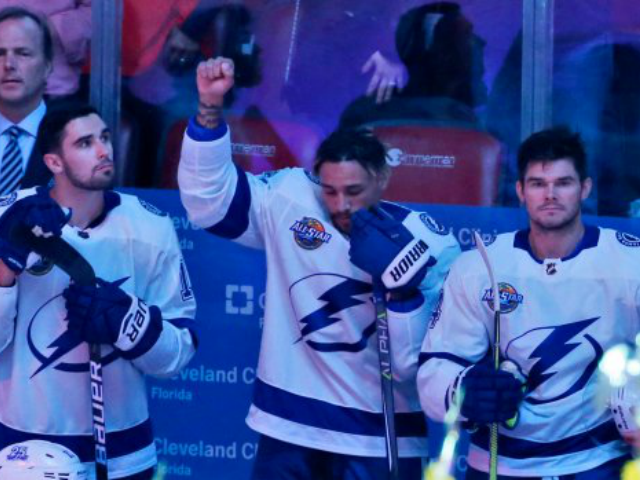 Black Hockey Player Becomes First in NHL to Join National Anthem Protest