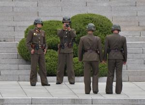 Report: North Korea border guards do not carry bullets