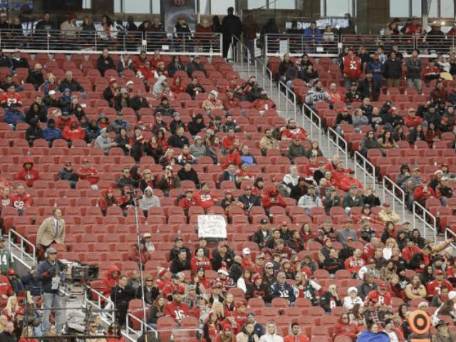 NFL continua sofrendo boicote: Estádios com cadeiras vazias, como nunca visto antes.