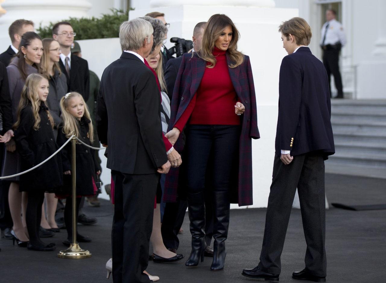 Melania White House Christmas >> Fashion Notes: Melania Trump Rocks Stella McCartney, Hervé Pierre to Pardon Thanksgiving Turkey