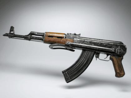 A picture taken on April 26, 2015 in Paris shows a kalashnikov AK-47 gun. AFP PHOTO / LIONEL BONAVENTURE (Photo credit should read LIONEL BONAVENTURE/AFP/Getty Images)