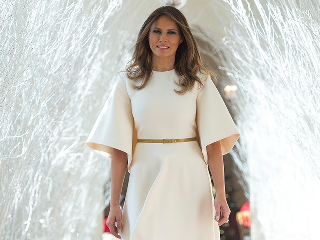 Whitehouse 2017 Christmas Decorations >> 'She's Like An Angel': Melania Trump Stuns in Dior for Unveiling of White House Christmas ...