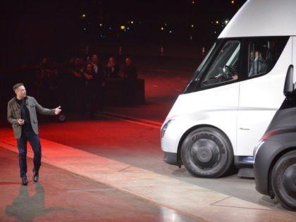 Tesla Semi (Veronique DuPont / AFP / Getty)
