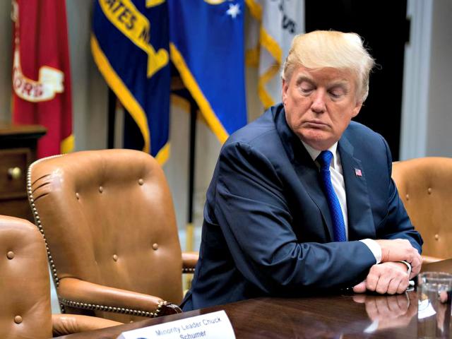 Trump_empty_chair