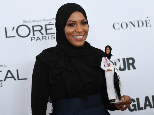 Ibtihaj Muhammad attends Glamour's 2017 Women of The Year Awards at Kings Theatre on November 13, 2017 in Brooklyn, New York. / AFP PHOTO / ANGELA WEISS (Photo credit should read ANGELA WEISS/AFP/Getty Images)