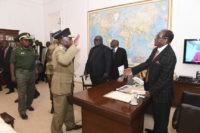 Mugabe still Zimbabwe president despite pressure to quit now