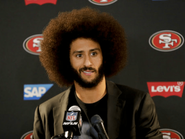 ACLU honors Kaepernick with courageous advocate award