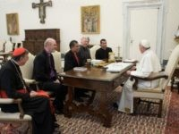 Pope Francis Welcomes Evangelical Leaders in Vatican to Discuss Religious Freedom