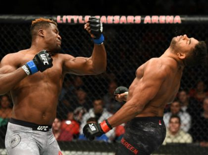 Francis Ngannou knocks out Alistair Overeem at UFC 218.