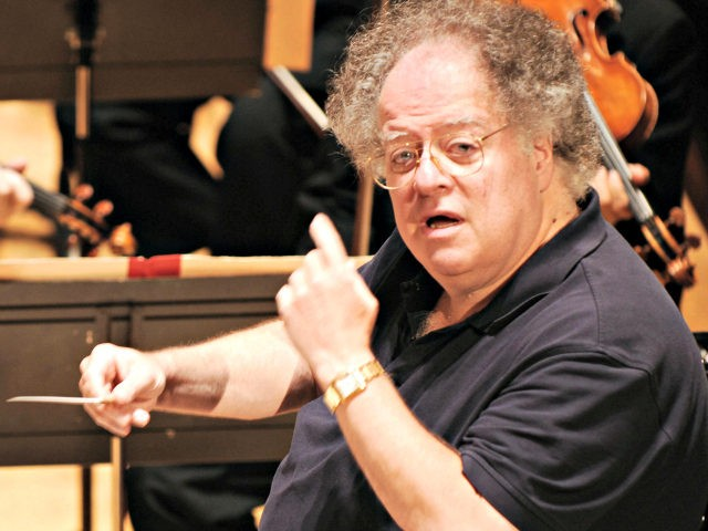 Us conductor James Levine and the Boston Symphony Orchestra perform Hector Berlioz's 'Damnation of Faust', 04 September 2007 during a rehearsal at the Salle Pleyel in Paris. AFP PHOTO MIGUEL MEDINA (Photo credit should read MIGUEL MEDINA/AFP/Getty Images)