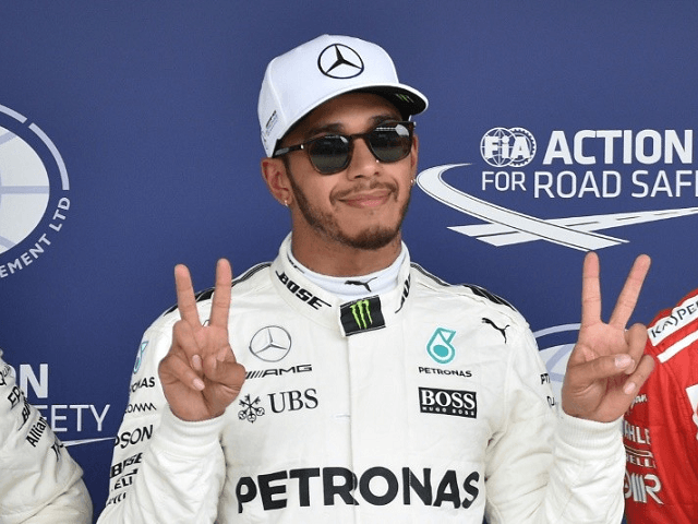 Hamilton apologises for mocking dress-wearing nephew