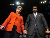 Tavis Smiley Hillary Clinton (Richard Alan Hannon / Getty)