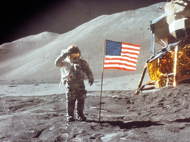 Trump signs directive to send astronauts to the Moon and Mars