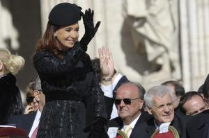 Argentina judge issues arrest warrant for former President Kirchner
