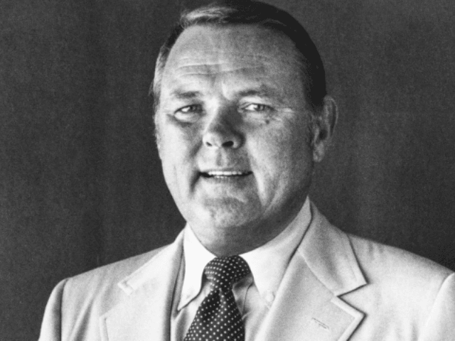 Keith Jackson, Legendary Voice of College Football, Dies at 89 - Breitbart
