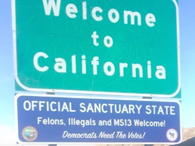 Sanctuary state sign (alternative_news_med / Instagram / Cropped)