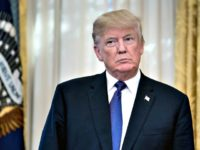 Trump in Oval