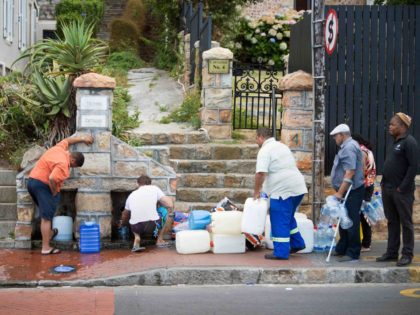 Water Cape Town (Rodger Bosch / AFP / Getty)