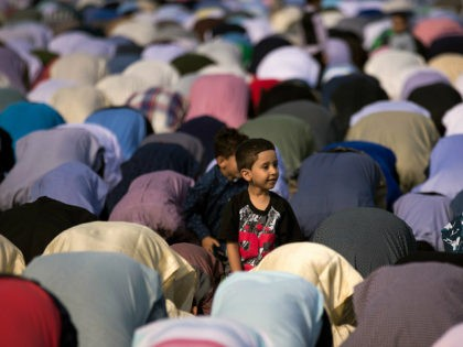 Seattle School District Urges Teachers to Follow CAIR Guidelines on Blessing Muslim Students During Ramadan