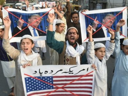 Pakistani demonstrators protest US aid cuts in Lahore