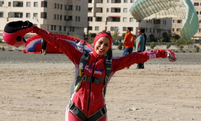 Iranian woman skydiver looks to break down stereotypes