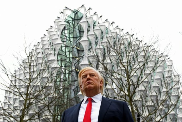 Tillerson visits London embassy after Trump snub