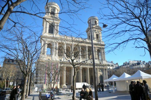 No cash? Paris church basket now taking bank cards