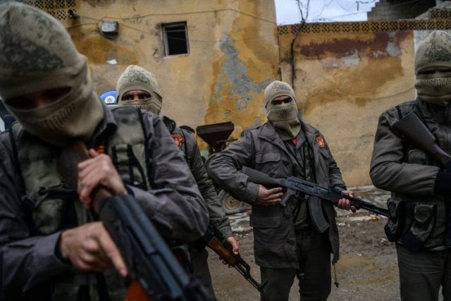 Turkey COLLISION COURSE with Syria - 'Auxiliary' rebel fighters trained by Erdogan forces