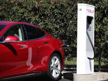 Tesla charging station (Justin Sullivan / Getty)