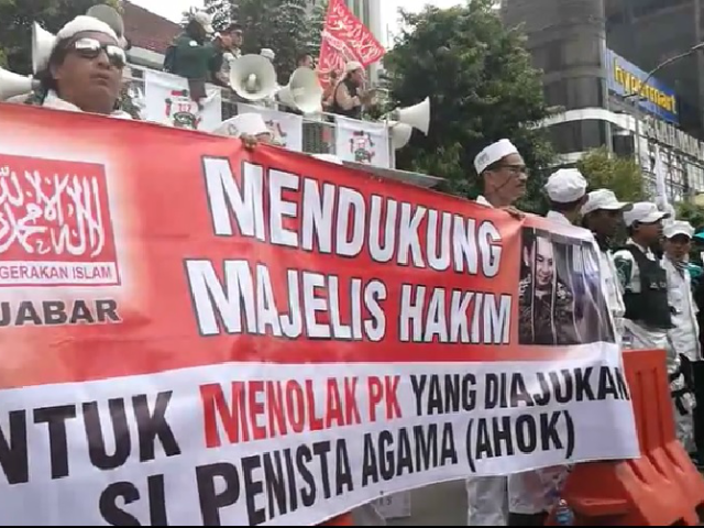 JAKARTA - Former Jakarta governor Basuki Tjahaja Purnama has filed for a judicial review against his two-year prison sentence for blasphemy in a bid to overturn his conviction for insulting Islam.