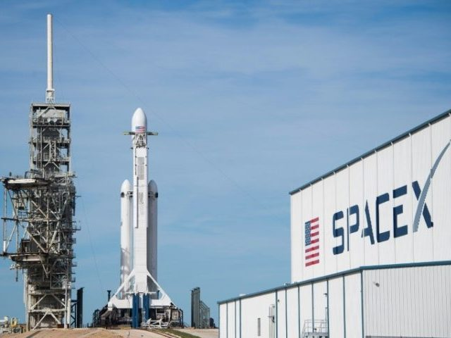 Launch window narrows for SpaceX's monster rocket
