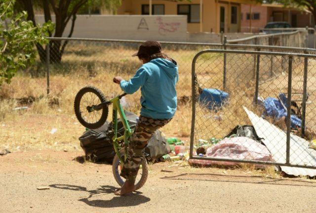 Australia still struggling to improve Aboriginal lives, report says