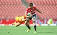 Harold Voster of the Lions could not evade Bautista Ezcurra of the Jaguares