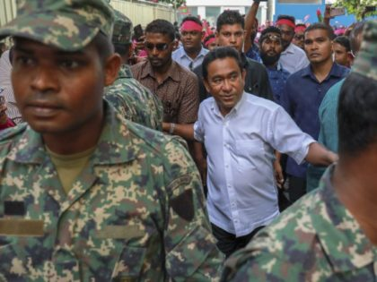Maldives president says he's willing to hold early election