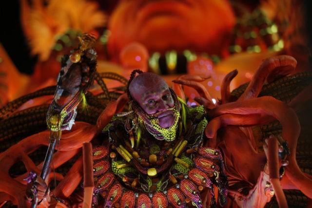 Use of blackface in Brazil Carnival parade sparks debate